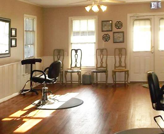 A cozy atmosphere for a hair salon